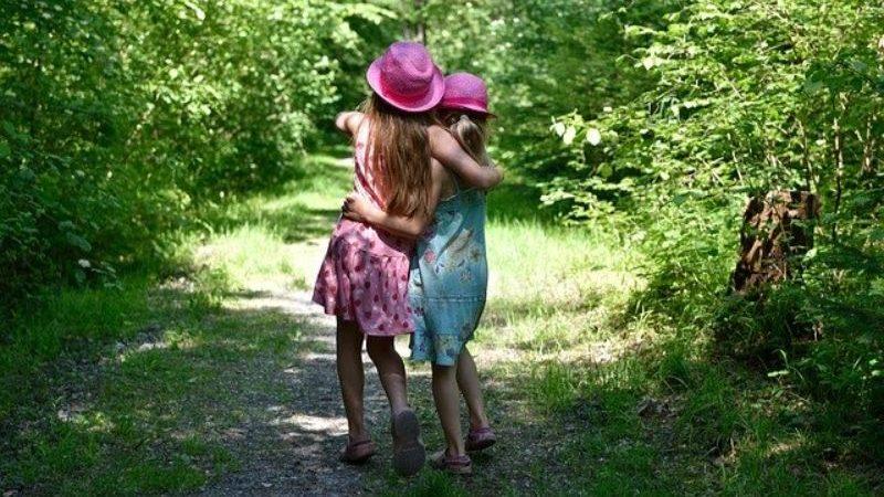 森の中の女の子